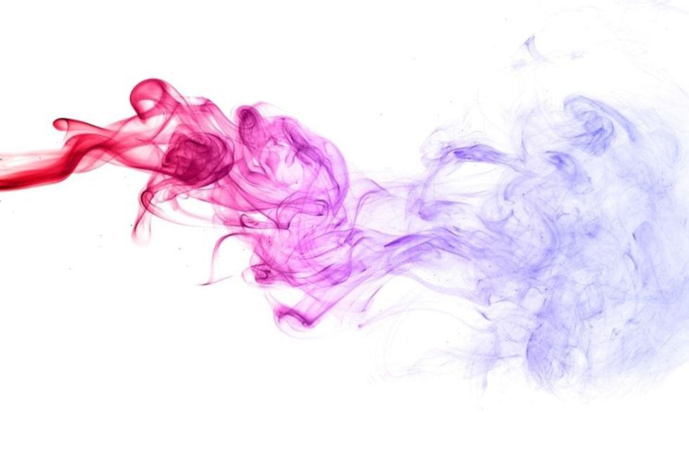 Fumée de cigarette avec une couleur dégradée du rouge au violet, représentant le monoxyde de carbone